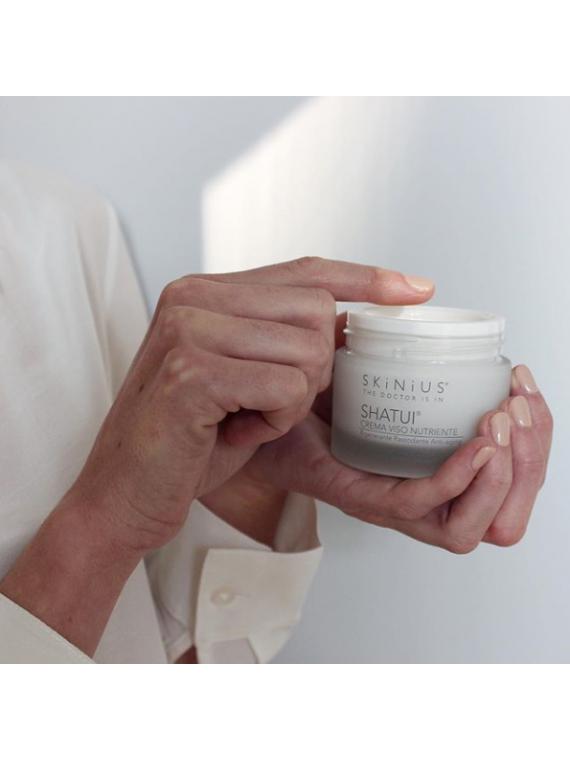 Shatui crema viso nutriente con fosfolipidi, glucosamina e vitamina E.