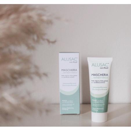 ALUSAC Maschera con antibatterico aiuta a ridurre la severità degli inestetismi tipici della pelle con acne.