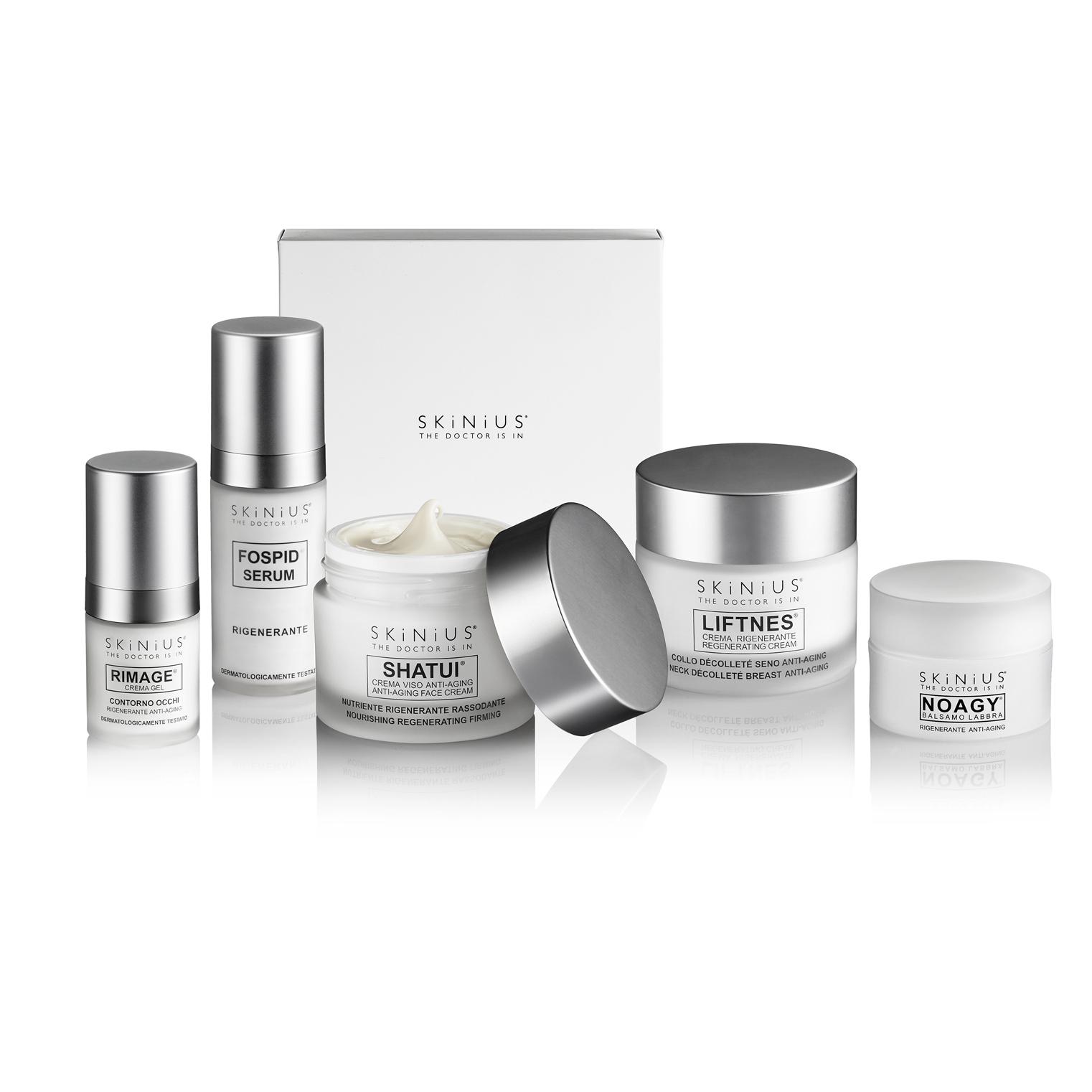 la Beauty Box Antiage Totale 50Y+ è il cofanetto che racchiude i nostri migliori prodotti per proteggere, illuminare e rinforzare la tua pelle matura.